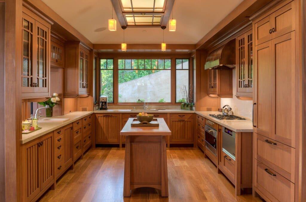 большой п-образный кухонный гарнитур