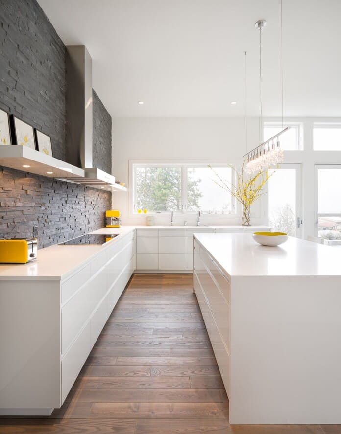 п-образная кухня без навесных шкафов