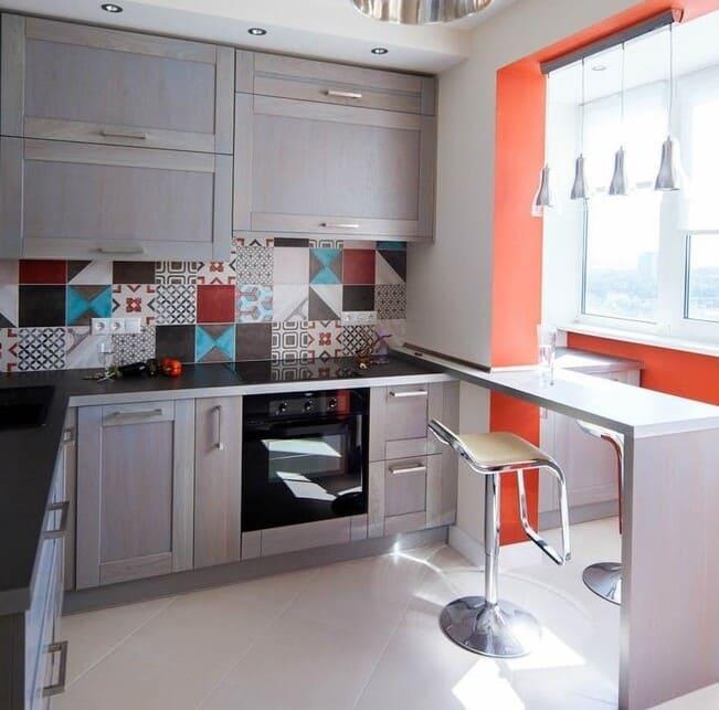 п-образная кухня с балконом